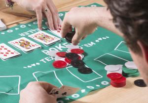 Desktop Poker -- Detine cea mai buna mana!