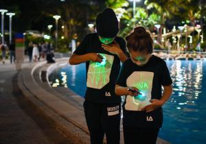 GloWear Kids -- Imbracaminte distractiva