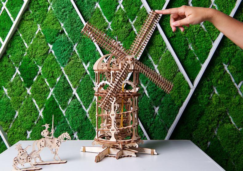 Moara de vant -- Admir-o ca Don Quijote image