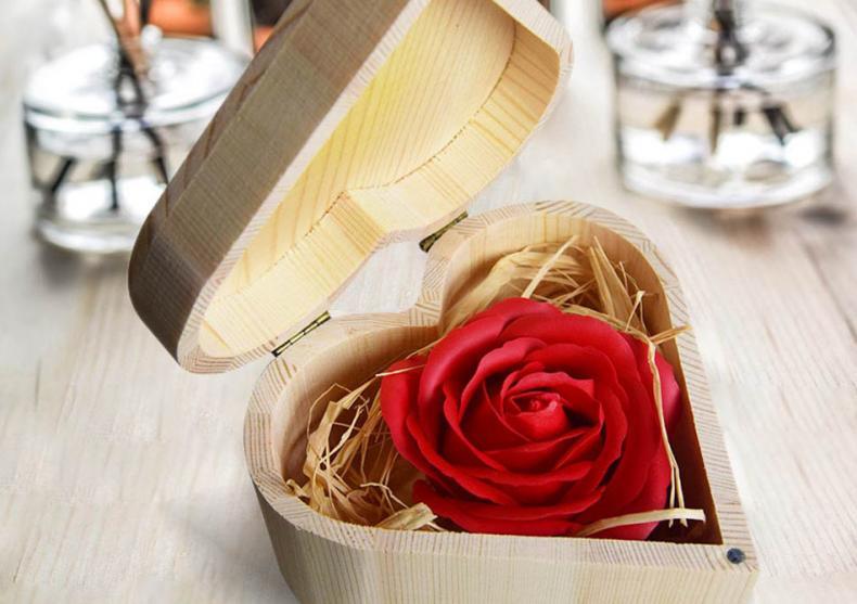 Trandafirul din inima -- Cadoul perfect pentru EA image