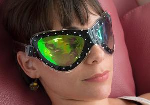 Masca retro relaxanta -- zona ochiilor vesnic relaxata