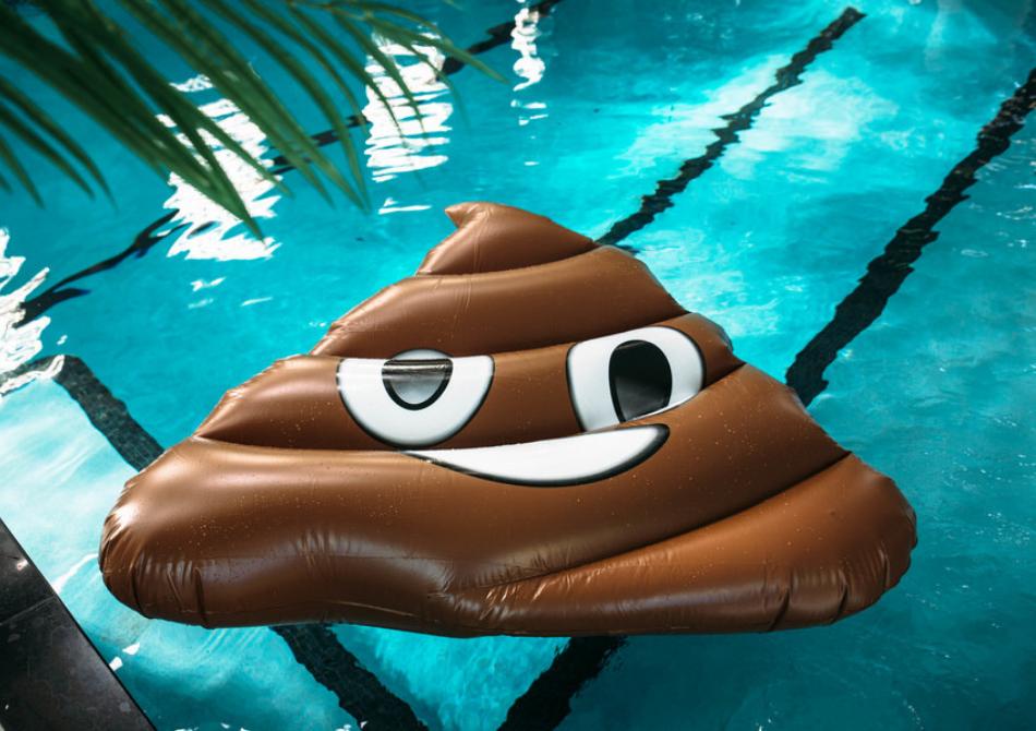 Saltea gonflabila Emoji Poop -- Poo(l) party!