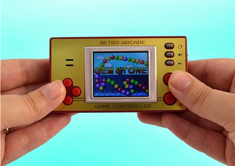 Retro Pocket Games -- Consola cu peste 100 de jocuri image