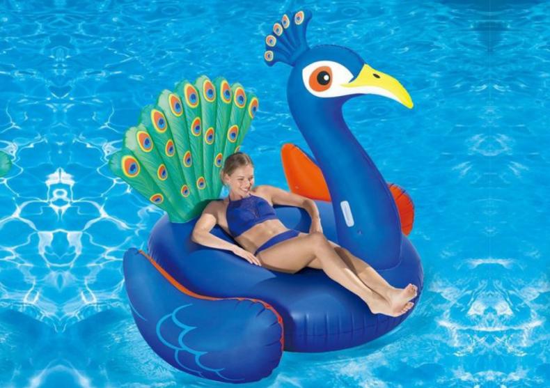 Peacock XL -- maiastra pe valuri image