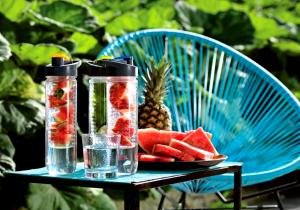 Sticla Infuzor Deluxe -- Cocktail portabil de fructe