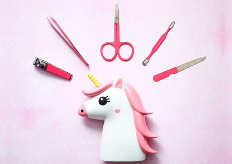 Set unicorn vanity -- Cine-i cea mai frumoasa din tara? image