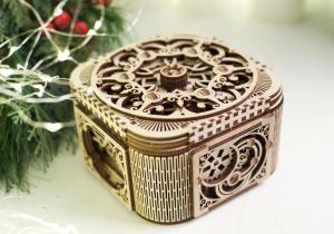 Cutia de comori -- O adevarata bijuterie