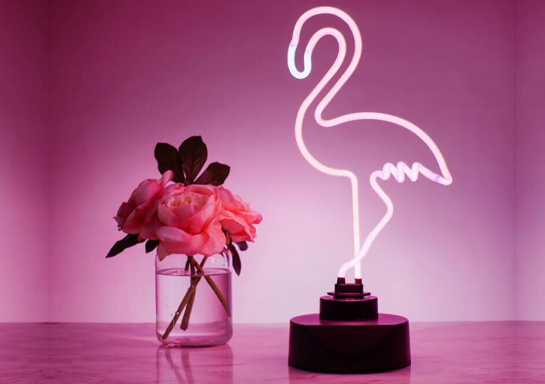 Neon flamingo -- Esenta tropicala din Vegas image