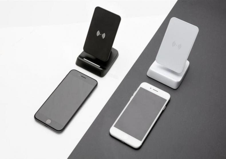 Incarcator wireless vertical -- Prezentul e wireless image