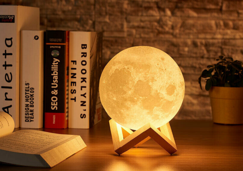 Lampa LUNA 3D -- Veioza rupta din cer image