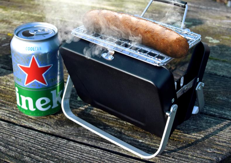 BBQ - cel mai mic din lume -- aproape de buzunar image