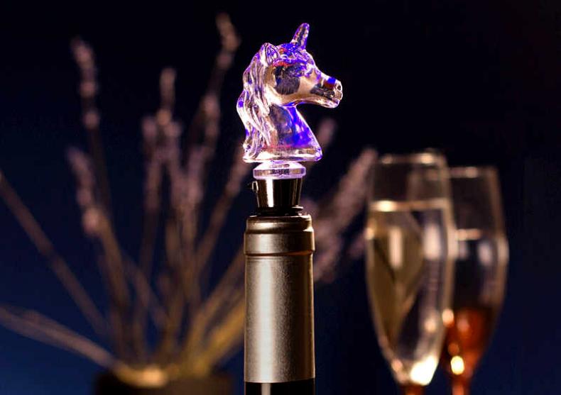Dop Unicorn LED -- pastreaza intacta bautura image