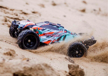 Monster truck Hurricane -- mini cu calitati maxi