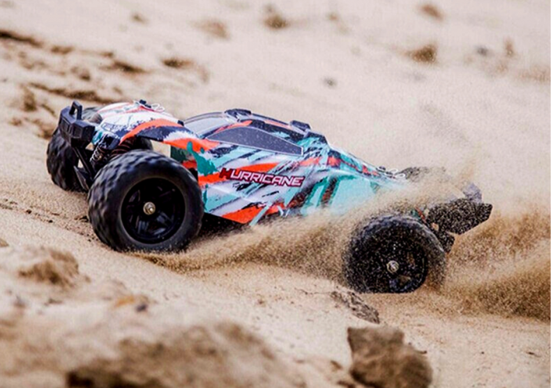 Monster truck Hurricane -- mini cu calitati maxi image