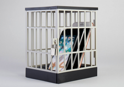Phone jail -- inchide-l!