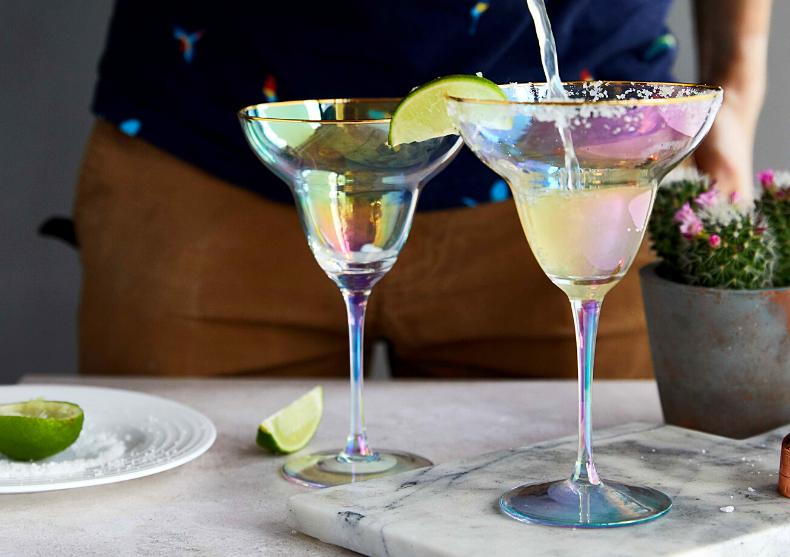 Pahare rainbow Margarita -- una por favor! image