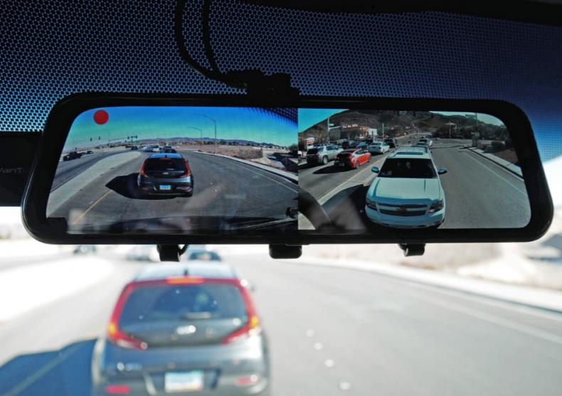 Oglinda-camera auto VanTop -- bodyguard si martor image