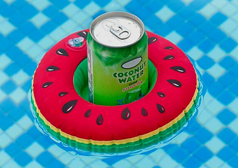 Pepene pentru bauturi -- drinkuri plutitoare image