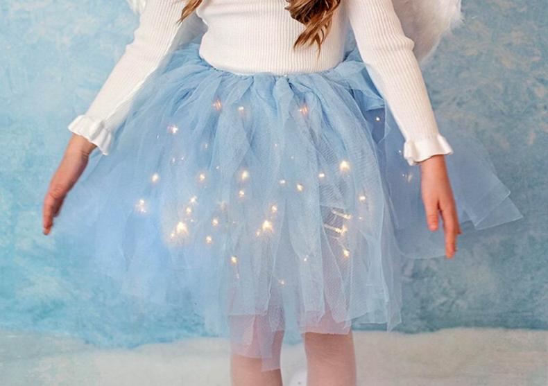 Fustita luminoasa Frozen Elsa -- divina ca cerul instelat image