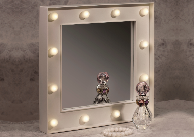 Oglinda LED Hollywood -- aplica machiajul perfect image