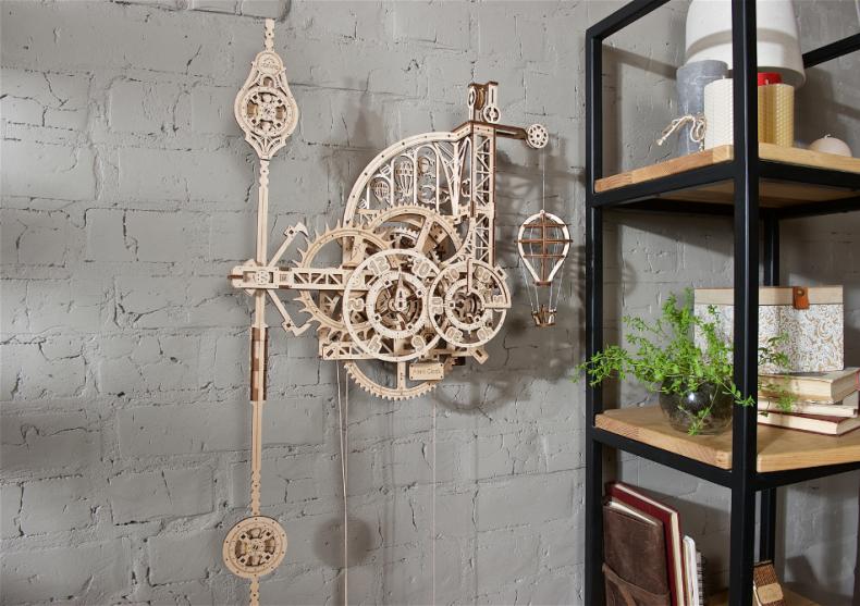 Ceas de perete cu pendul -- plus de extravaganta  image