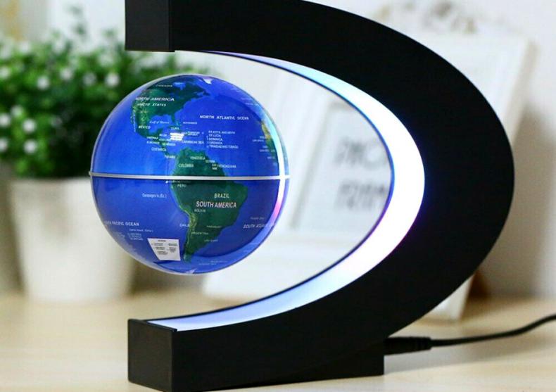 Glob levitant iluminat-- Ghidul autostopistului galactic pe biroul tau image